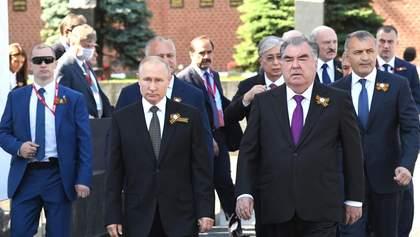 Парад тиранів і фанатів Путіна