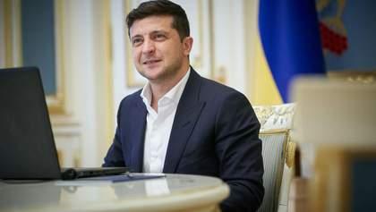 Улучшение или имитация усилий: как украинцы оценили год президентства Зеленского