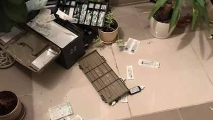 Черговий напад на медиків: у Львові п'яна компанія облаяла і обплювала бригаду швидкої