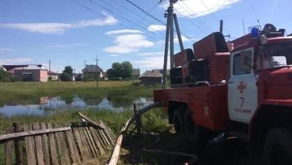 Из-за наводнения на Прикарпатье до сих пор отрезаны от мира 9 сел