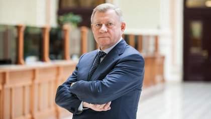 Глава НБУ Яков Смолий подал в отставку, заявив о политическом давлении