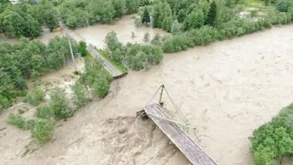 """Как наводнение в Карпатах """"смывает"""" экологов и экоактивистов"""