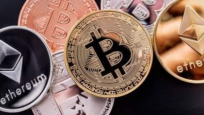 """800% прибыли: какие криптовалюты """"взлетели вверх"""" за время пандемии"""