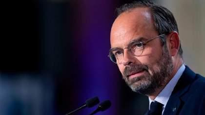 Премьер Франции и все члены правительства ушли в отставку