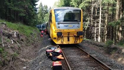 В Чехии столкнулись два пассажирских поезда: есть погибшие – фото