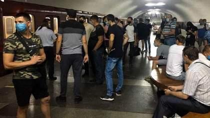 В метро Харькова протестуют машинисты: им не выплачивают деньги и заставляют агитировать за мэра
