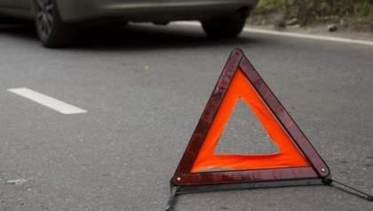ДТП из-за телефона: в Мариуполе водитель наехал на патрульных