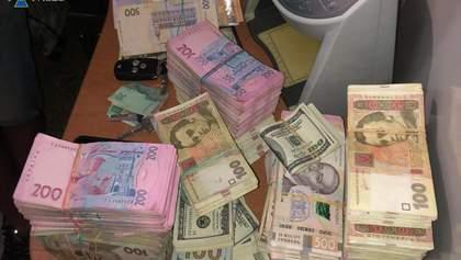 Переселенці організували мережу із відмивання грошей через криптовалюту