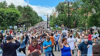 Массовые протесты в России: около 50 тысяч человек снова вышли на улицы Хабаровска – видео