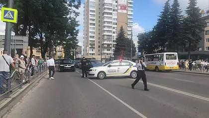 Захоплення заручників у Луцьку: чи повинна влада виконувати вимоги терориста