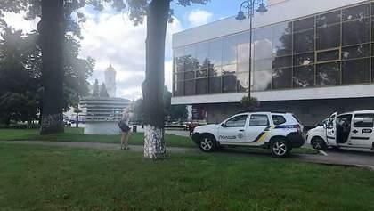 Рядом с захваченным в Луцке автобусом прогремел взрыв: видео