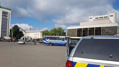 Захват заложников в Луцке: FM-вещание в городе выключили