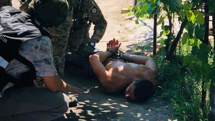 Неадекватный молодой человек выстрелил в отца на Херсонщине: задерживали без применения оружия