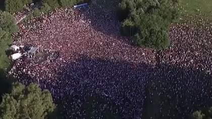 Тихановська зібрала десятки тисяч людей на мітингу у Мінську після затримання вагнерівців