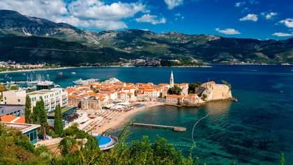 В Черногории рекордно упал поток туристов: владельцы отелей снизили цены