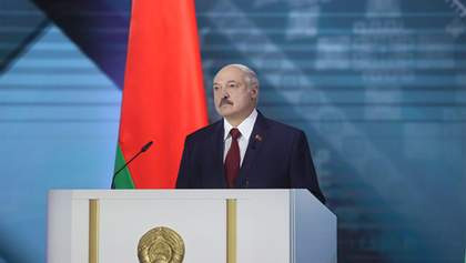Лукашенко в предвыборной программе оговорился о поправках к Конституции