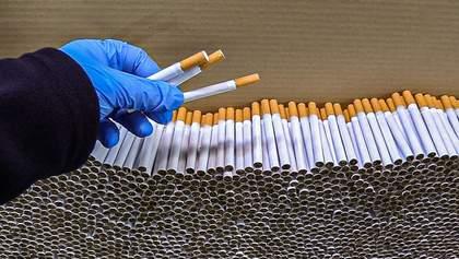 Понад один мільйон підроблених сигарет: у Польщі затримали українців за незаконне виробництво