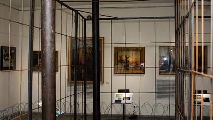 Суд зняв арешт з колекції картин Порошенка: що відомо
