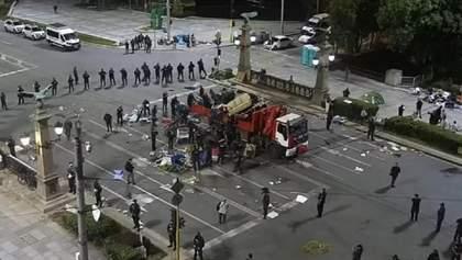 Антиправительственные протесты в Болгарии: полиция уничтожила палаточные городки митингующих