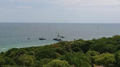 В Одесі вкотре пробують підняти танкер Delfi: фото, відео