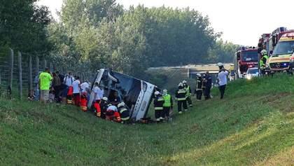 В Венгрии перевернулся автобус с поляками: есть погибший и десятки пострадавших – фото