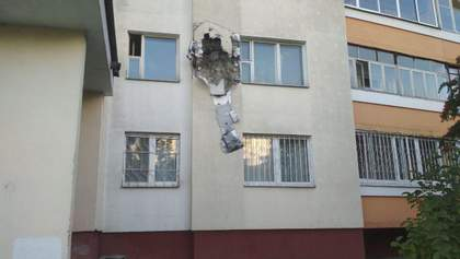 Силовики обстрілювали навіть вікна квартир у Мінську: одній жінці продірявили стелю