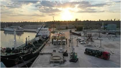 """Компанія """"Кантарелл Україна"""" налагодила перші морські поставки бітуму для """"Великого будівництва"""""""