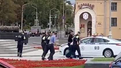 Затримання українців у Білорусі: у правозахисниці, де зупинилися волонтери, обшук