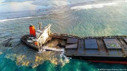 Екокатастрофа в Індійському океані: із затонулого танкера витекло 90 тонн нафти – відео