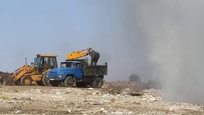 Під Миколаєвом горить сміттєзвалище: деталі, фото