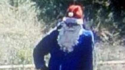 """В Мариуполе мужчина в костюме """"Деда Мороза"""" стрелял в охранника: фото"""