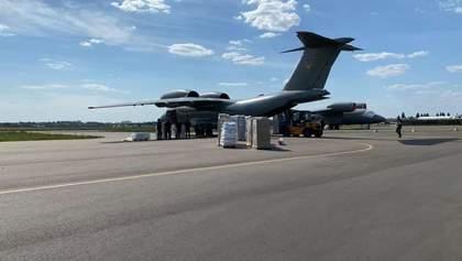 """""""Ми – Бейрут"""": Україна відправила літак з гуманітарною допомогою до Лівану – фото"""