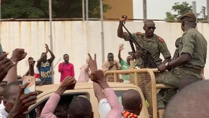 Военный мятеж в Мали: президент ушел в отставку и распустил парламент