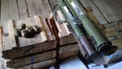 Чиновник СВР та експрикордонник вивозили боєприпаси зі зони ООС: деталі, фото