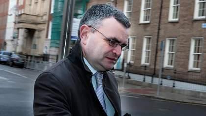 Поужинал и потерял должность: ирландский министр подал в отставку из-за нарушения карантина