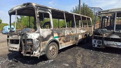 У Черкаській області згоріли одразу 12 автобусів: моторошні фото та відео