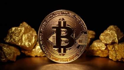 Золото и биткоин еще больше подорожают: аналитик Bloomberg спрогнозировал как