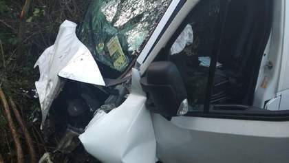 Жахлива ДТП на Львівщині: загинули двоє чоловіків, ще один постраждав – фото