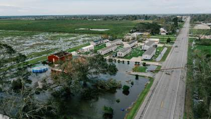Ураган Лаура лютує у США: кількість загиблих зросла – фото, відео