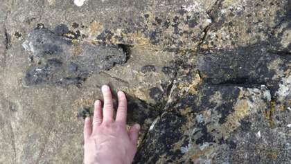 У Шотландії знайшли кістку динозавра, який жив 166 мільйонів років тому: фото