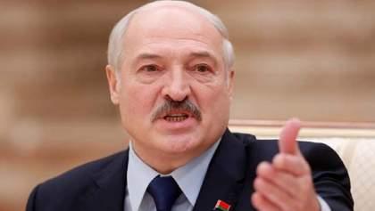"""Лукашенко угрожает соседям: """"поляки и литовцы"""" будут торговать с РФ через Черное море"""