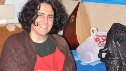 238 дней голодовки: в Турции умерла правозащитница Эбру Тимтик