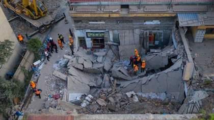 Трагедія в Китаї: обвалився ресторан з людьми, багато загиблих – фото