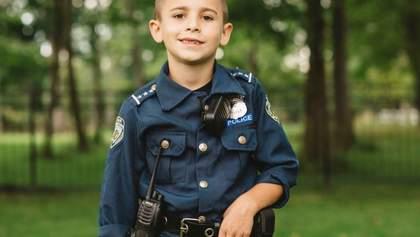 У США хлопчик зібрав 315 тисяч доларів на бронежилети для поліцейських собак