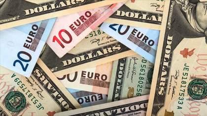 Курс валют на 8 вересня:  євро пішов донизу, долар навпаки трохи додав