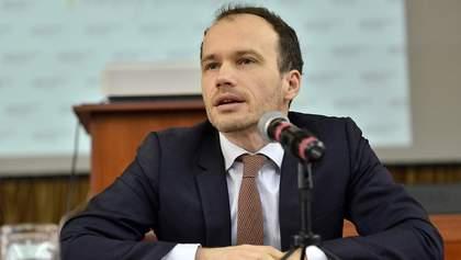 Малюська просит Раду запретить взимание денег с Приватбанка на счет Суркисов
