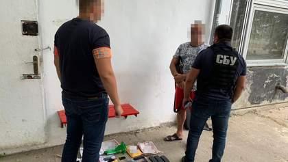 Продавали зброю під виглядом спортивних товарів: СБУ затримала організатора контрабанди – фото