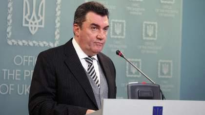 Если не договоримся мирно, будем действовать по-другому: Данилов о войне на Донбассе