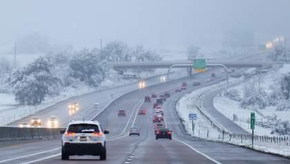 США засыпало снегом в сентябре: видео метели