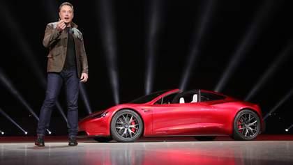 Акції Tesla впали в ціні, а Ілон Маск втратив 16,5 млрд доларів: чого чекати інвесторам